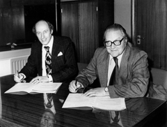 Signing of Cray SC 1979