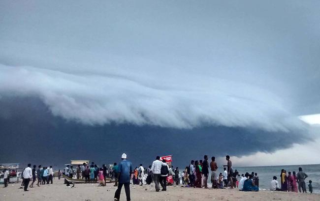 Ocean wave-like cloud
