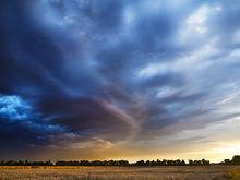 Cloudscape above a plain